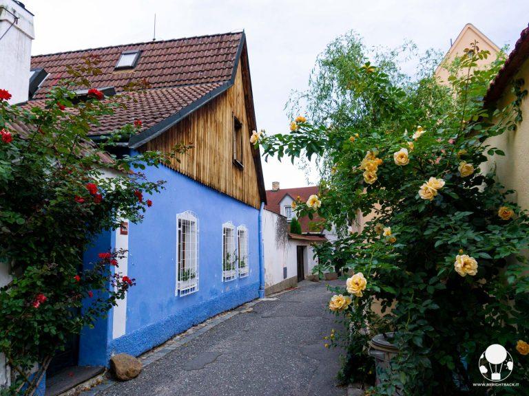 tabor repubblica ceca boemia meridionale cosa vedere vicoli del centro storico con case colorate