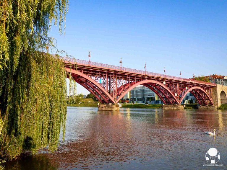 Marburgo ed il suo iconico Ponte Vecchio sul fiume Drava