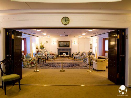 Il salone dei ricevimenti è uno degli spazi più sontuosi ed accoglienti a bordo della Royal Yacht Britannia