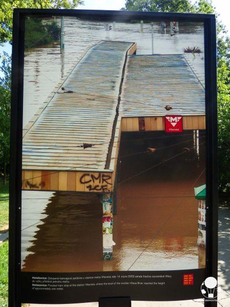 praga-7-quartiere-holesovice-foto-2002-alluvione-fermata-metro-vltavska-berightback