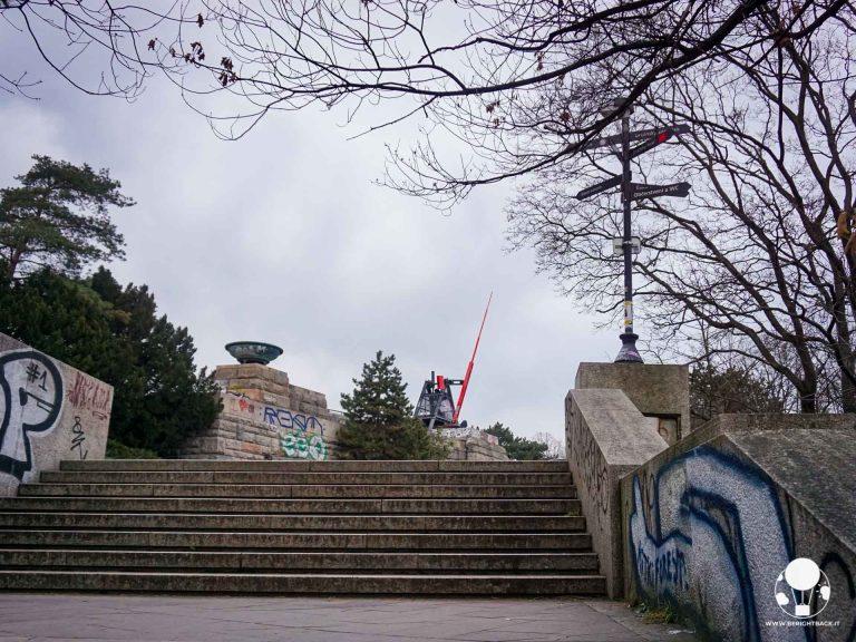 praga-7-quartiere-holesovice-giardini-di-letna-metronomo-berightback