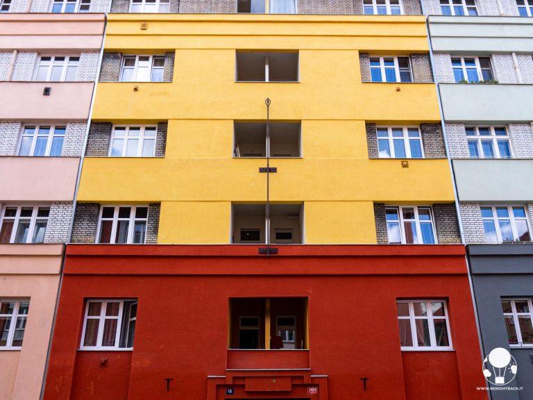 praga-7-quartiere-holesovice-palazzi-restaurati-berightback