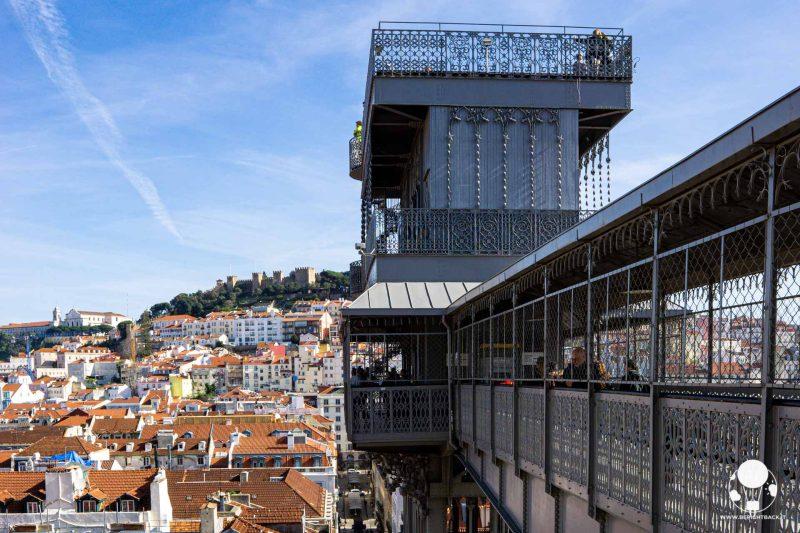 elevador-de-santa-justa-lisbona-vista-panoramica-su-castello-e-ascensore-berightback