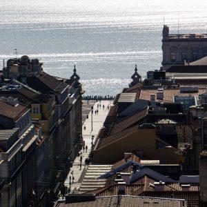 elevador-de-santa-justa-lisbona-vista-panoramica-su-piazza-del-commercio-berightback