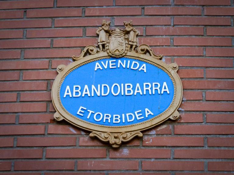 nome-strada-bilbao-doppia-lingua-spagnolo-basco-berightback-min