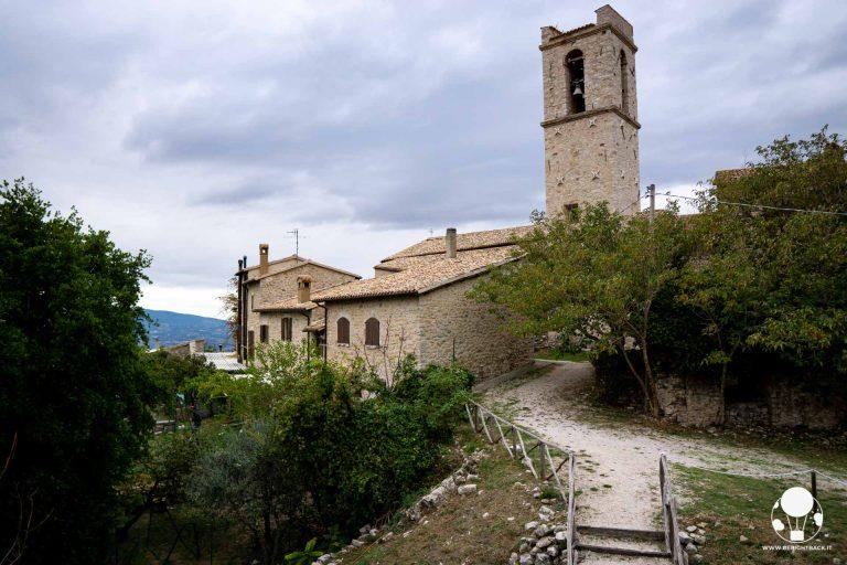 Campello sul Clitunno, il castello medievale di Campello alto il cui caampanile in origine era una torre di guardia