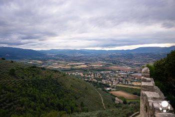 Campello sul Clitunno, il castello medievale di Campello alto offre una vista da cartolina su tutta la valle spoletina