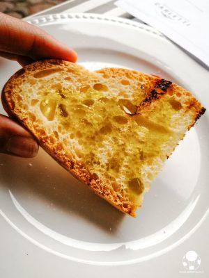 A Campello sul Clitunno tra i piatti tipici non possono mancare le bruschette al celebre olio extravergine di oliva