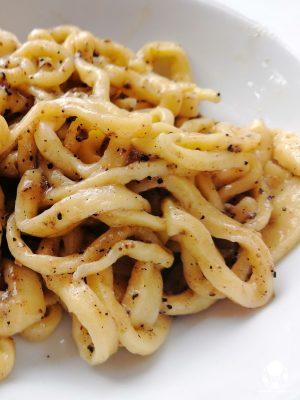 A Campello sul Clitunno tra i piatti tipici non possono mancare gli strangozzi al tartufo