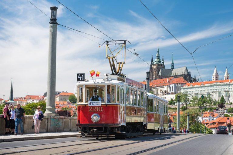 cosa-fare-a-praga-giro-su-historicka-linka-41-tram-storico