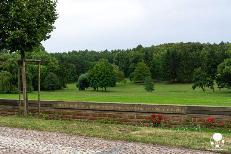 Nonostante morti, ancora combattono - in questo luogo furono assassinati 173 eroi di Lidice