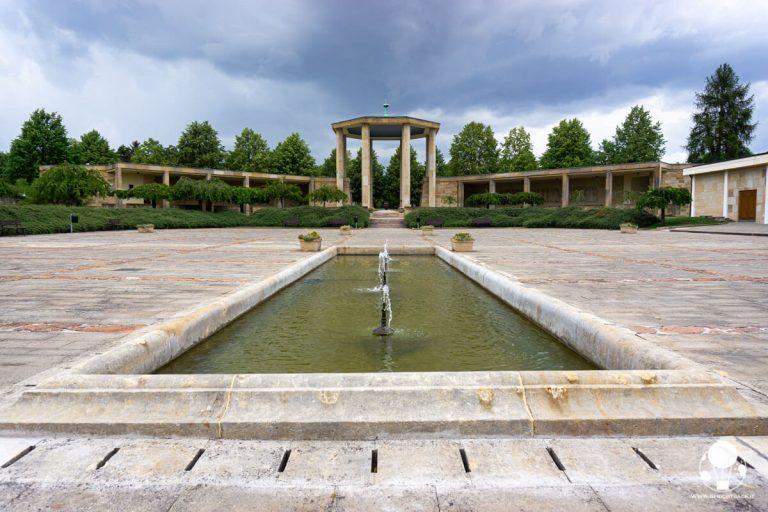lidice-gloriette-ed-ingresso-museo-berightback