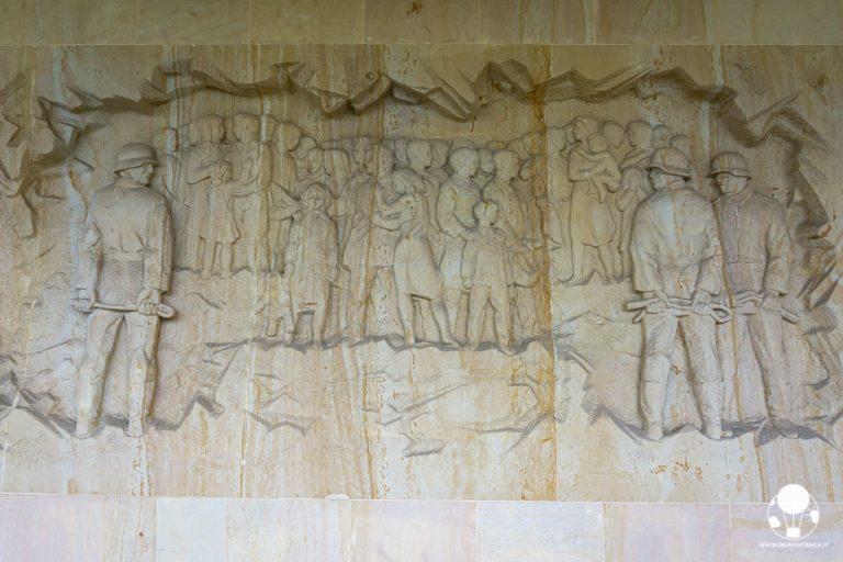 lidice-memorial-raffigurazione-deportazione-donne-e-bambini-berightback