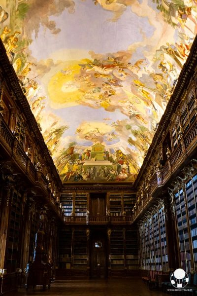monastero-di-strahov-praga-biblioteca-sala-filosofica-affreschi-berightback