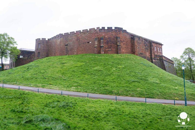 chester-cosa-vedere-resti-castello-medievale-torre-agricola-berightback