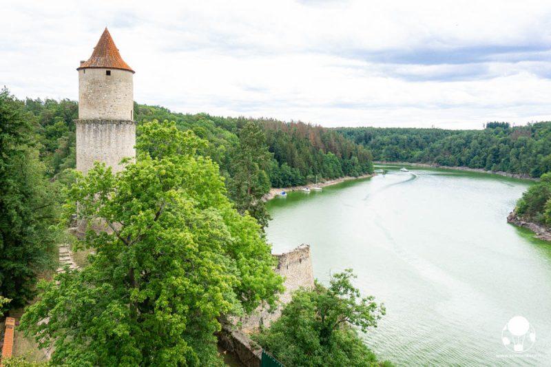 castello-zvikov-boemia-meridionale-vista-su-fiume-moldava-da-torre-berightback