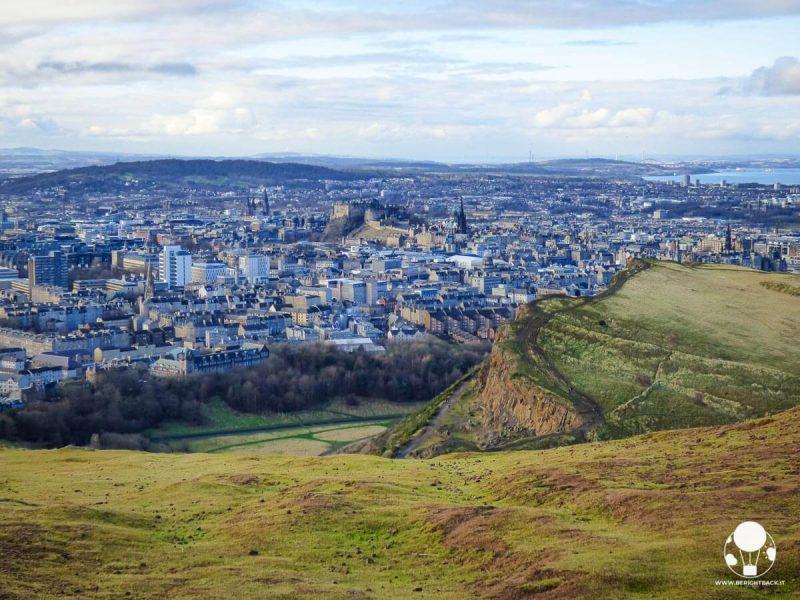 Edimburgo vista dalla cima di Arthur's Seat