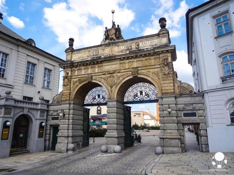 Porta storica del birrificio della Pilsen Urquell