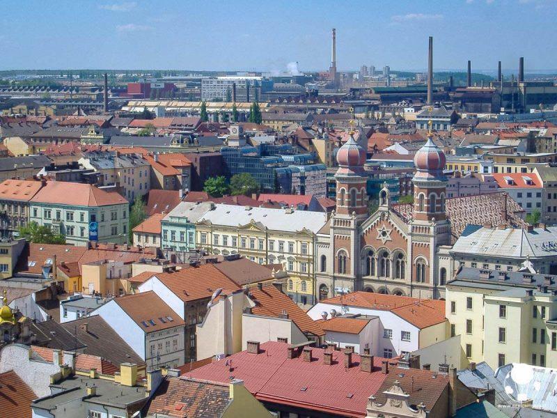 Vista su Plzeň dall'alto della torre della cattedrale
