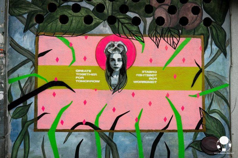 belgrado-street-art-dorcol-bambina-cane-in-testa-berightback