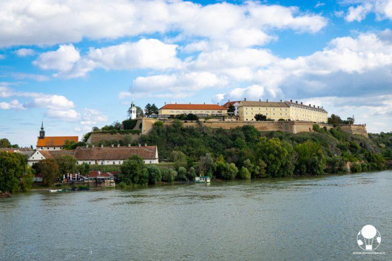 Vista d'insieme sulla fortezza di Petrovaradin a Novi Sad