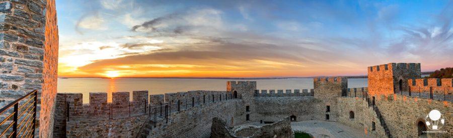 Fortezza di Ram, panoramica delle mura al tramonto