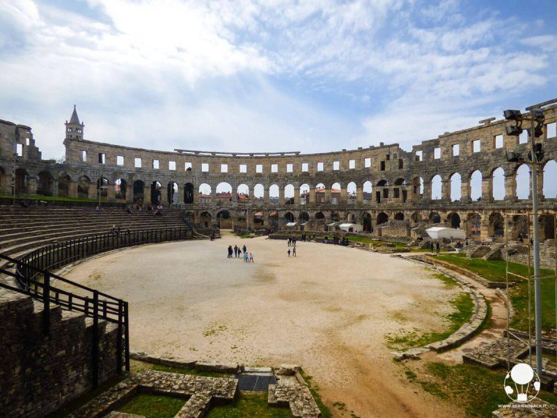 Interno dell'anfiteatro romano di Pola, in Istria