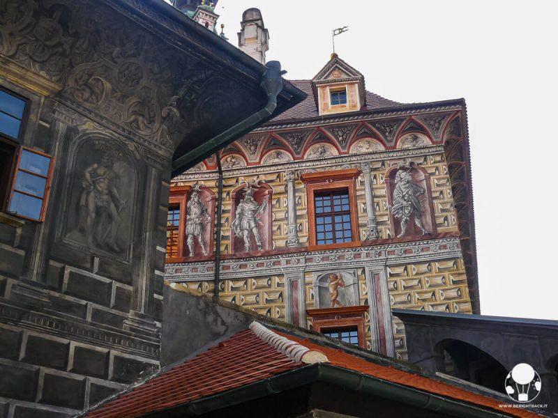 cesky-krumlov-affreschi-rinascimentali-castello-berightback