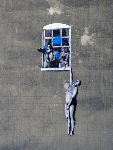 bristol inghilterra street art banksy well-hung love