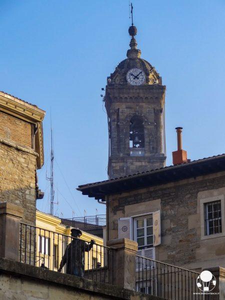 vitoria gasteiz capitale paesi baschi spagna statua celedon festa cittadina